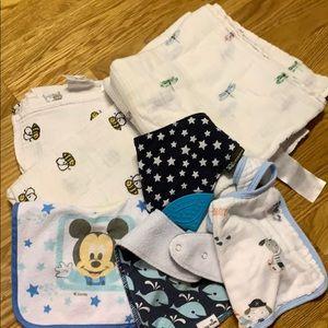 Baby bundle two swaddle blankets 4 bibs